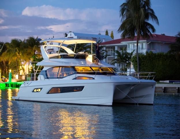 Marine Max Charter 443   in Hurricane Harbor, Key Biscayne FL.